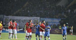 Persib Berhasil Menahan Imbang Bali United 0-0