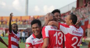 Liga Indonesia : Madura United vs Sriwijaya 3-0 (22/9/2017)
